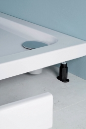Iflo Shower Tray Panel And Leg Pack 760mm
