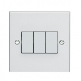 Volex White Moulded 10ax 3 Gang 2 Way Plate Switch