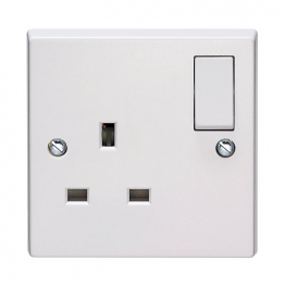 Volex White Moulded 13a 1 Gang Single Pole Switched Socket Outlet